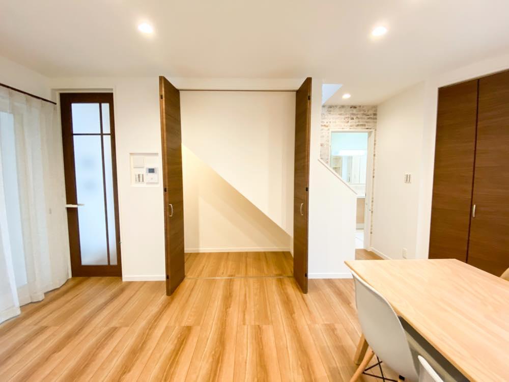 ルミナージュ岸和田第3段モデルハウス リビング階下収納