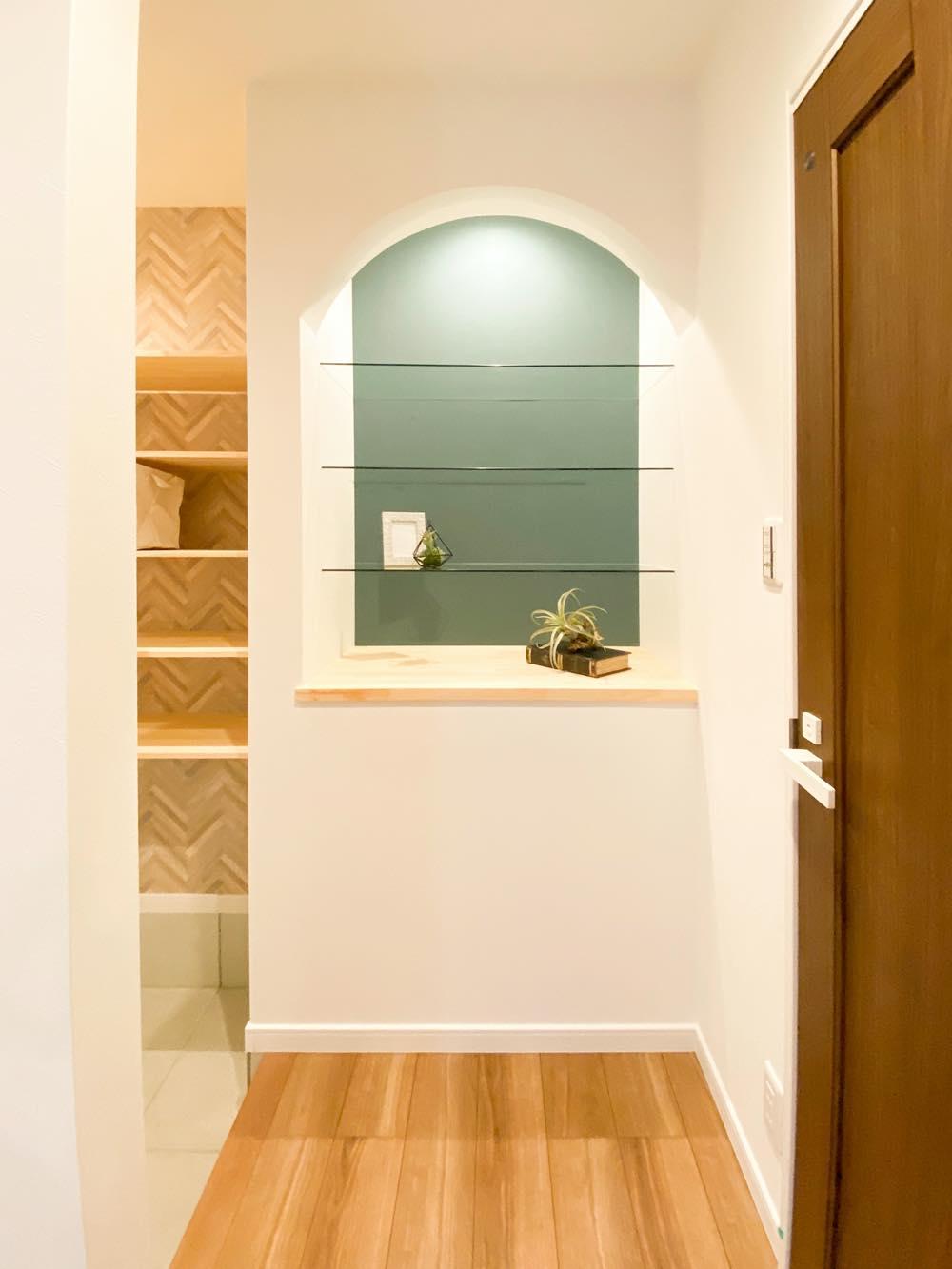 ルミナージュ岸和田第3段モデルハウス エントランス・飾り棚
