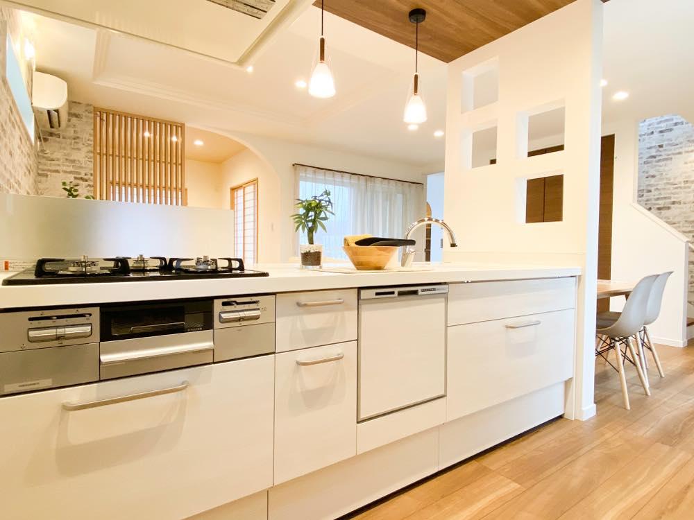 ルミナージュ岸和田第3段モデルハウス システムキッチン