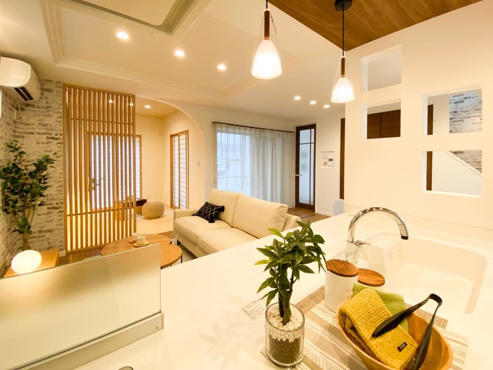 ルミナージュ岸和田第3段モデルハウス キッチンからの目線