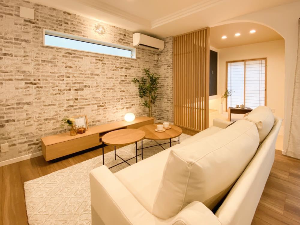 ルミナージュ岸和田第3段モデルハウス 明るく開放的なリビング