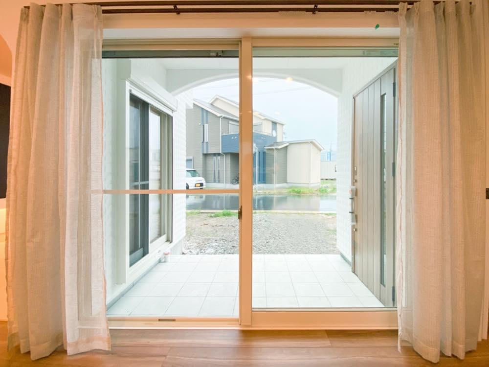ルミナージュ岸和田第3段モデルハウス 屋根付き玄関